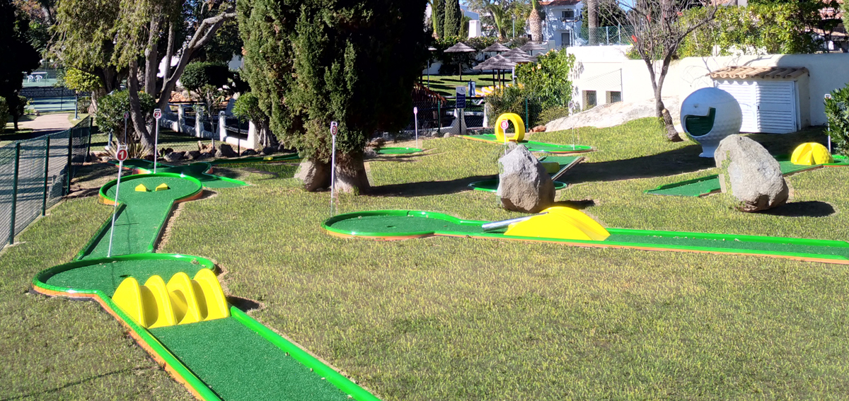 Crazy Golf of Rocha Brava
